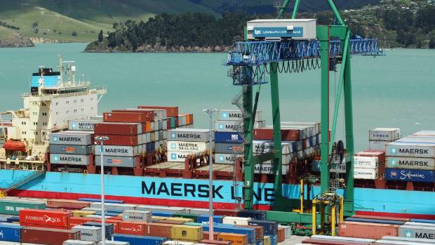 Huge dredge arrives at Lyttelton to work on shipping channel