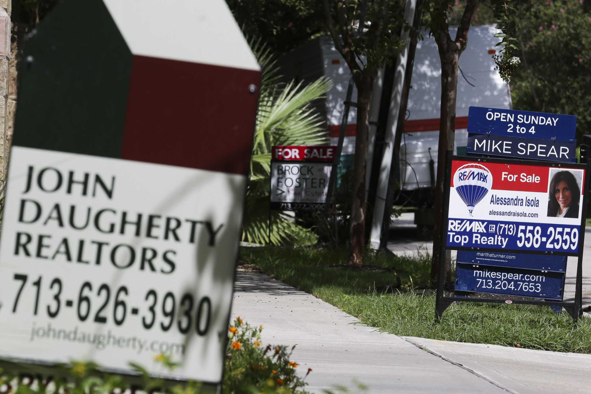 As home inventories rise, increases in price slow
