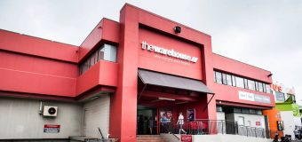 The Warehouse reports record first-half profit; resumes dividends